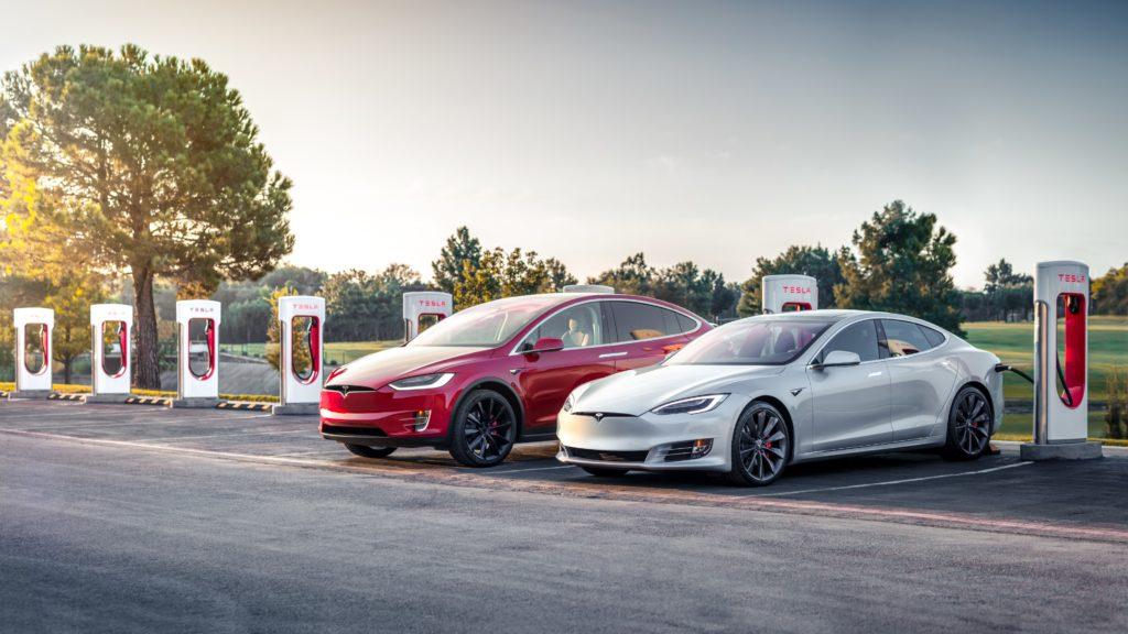 Model S & X Charging at Arlington Texas Supercharger