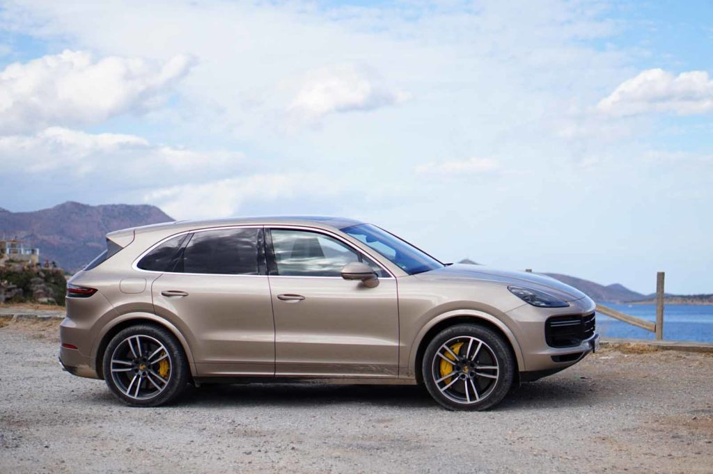 Porsche Cayenne side view