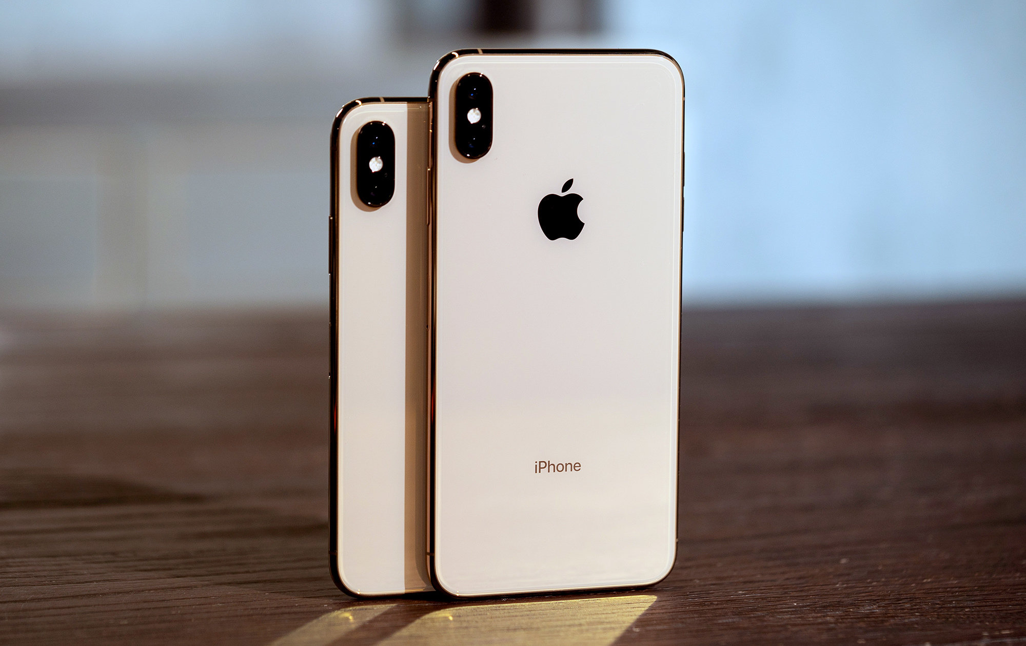 Apple iPhone sales in China plunged 20% in 4Q